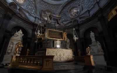 Cappella della Sindone, concluso il restauro dell'Altare di Antonio BertolaIO BERTOLA